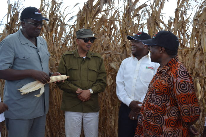 Leaders when they visited Galana-Kulalu irrigation project to assess its impact in the society