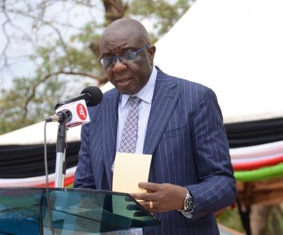 Vihiga Governor Moses Akaranga has urged residents to register as voters