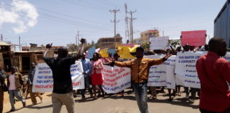Demonstrators in Makutano town