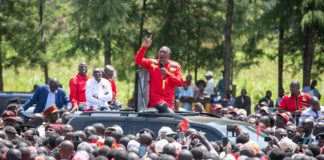 President Uhuru Kenyatta addressing Maraba residents in Nandi County