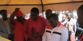 Bungoma Governor Ken Lusaka and Water CS Eugene Wamalwa at the funeral of the late Edward Barasa
