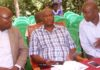 Busia CEC for Agriculture Dr Moses Osia, Governor Sospeter Ojaamong and Chief Officer for Agriculture Richard Achiambo at Ikapolok in Malaba