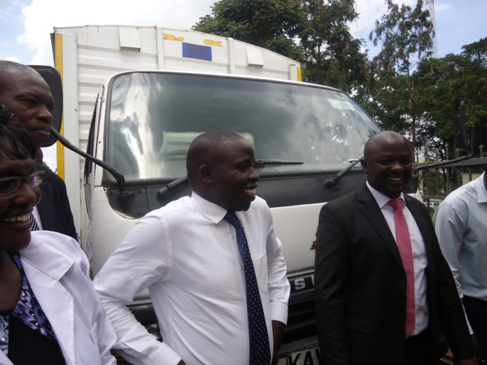 Governor Stephen Sang (centre) has set out to deal with graft in Nandi County