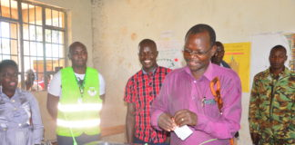 West Pokot Governor John Lonyangapuo has refuted claims that West Pokot residents boycotted the repeat poll