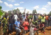 The boda boda operators blocked the Lwandeti-Nzoia road, citing its poor state and lack of rehabilitation as a main problem factor