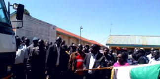 Nandi Governor Stephen Sang flagging off the second consignment of drugs at the Kapsabet referral hospital