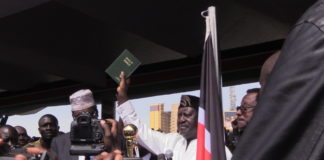 NASA leader Raila Odinga taking the oath