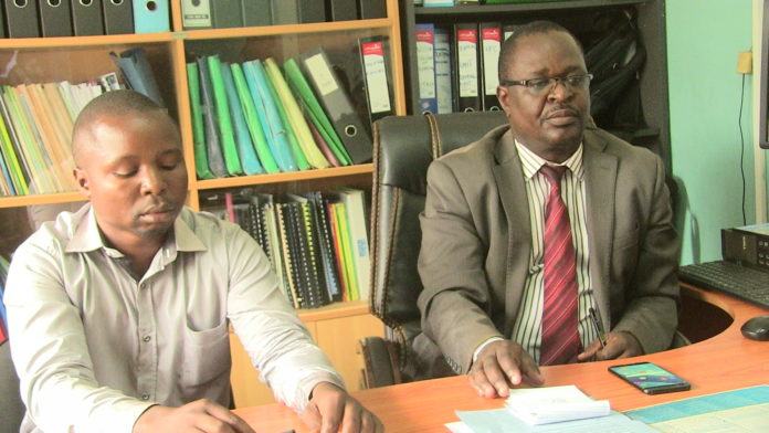 Medical Superintendent Dr. Emmanuel Wanjala and Doctor Patrick Musita addressing the press