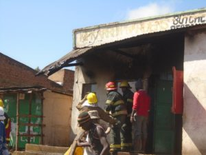 Firefighters from Uasin Gishu County who responded to the call to contain the fire