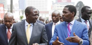 Deputy President William Ruto (left) and Trade CS Peter Munya (right) at the Kenya Trade Week Expo