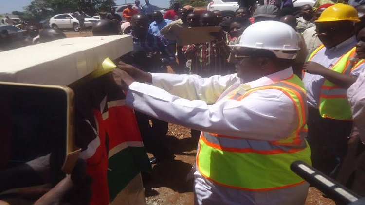 Governor Lusaka unveiling the Makaburini - bus park road. The road costed the county  Ksh. 66 million. Photo /Eric Lumbasi /West Fm
