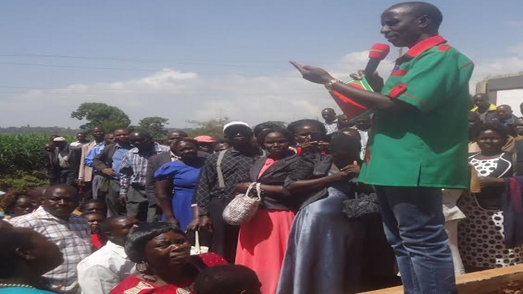 The KNUT executive secretary  Wilson Sosion addressing the teachers during the elections/Photo/Eric Lumbasi /West Fm