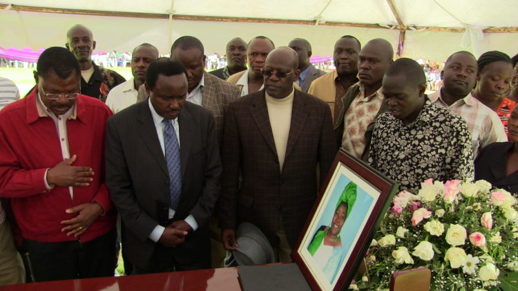 Leaders Moses Wetangula, Johnstone Muthama, Kalonzo Musyoka and Keiyo MCA Emmanel Waswa paying their last respects