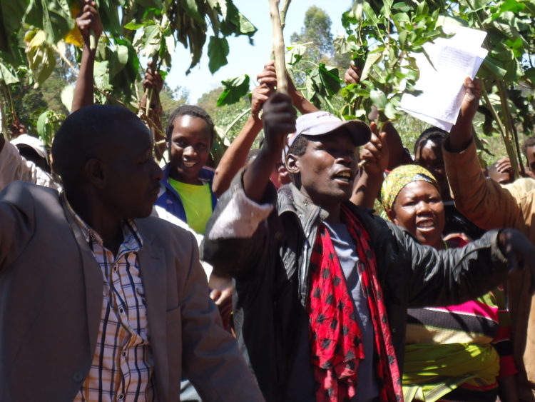 Iruru A and Kabochi residents in Nandi county protesting along the Kapsabet showground road
