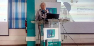 Ipsos lead researcher Tom Wolf addressing the press
