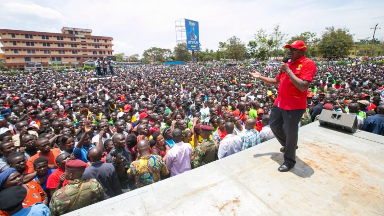 President Uhuru Kenyatta, Deputy President William Ruto and other Jubilee leaders took their campaigns to Busia and Bungoma Counties on Friday