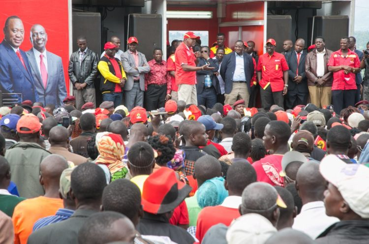 President Uhuru Kenyatta addressing Sirisia residents in Bungoma County