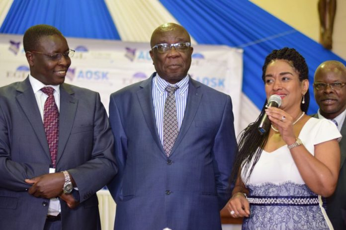Former Vihiga Governor Moses Akaranga (centre) and Nairobi Woman Representative Esther Passaris (right) have urged leaders to embrace dialogue for peace to be realized