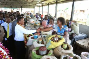 Governor Alfred Mutua during his visit to Khayega market in Shinyalu Constituency