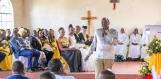 President Uhuru Kenyatta speaking at St. Ann Gathinja Catholic Church