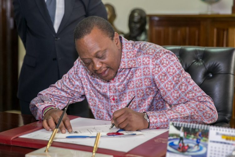 President Uhuru Kenyatta has urged County governments to finalize budget processes and clear pending payments to suppliers