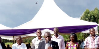 Walter Namisi addressing mourners at the funeral