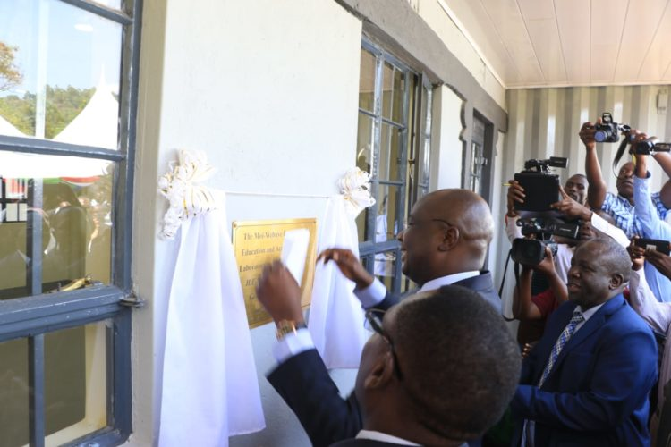 Bungoma Governor Wycliffe Wangamati opening the lab at Webuye Sub County Hospital