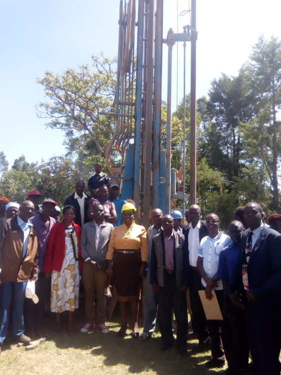 Mihuu MCA Violet Makhanu (centre) after commissioning the water drilling project at Nabuyole FYM Primary School