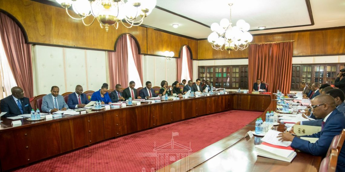 President Uhuru Kenyatta chaired the Cabinet meeting at State House. (Photo/PSCU)