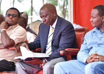 Deputy President William Ruto (centre) Senate Speaker Ken Lusaka (left) and Bumula Mwambu Mabonga (right) in Muanda, Bumula