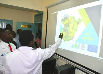 Nandi Governor Stephen Sang (left) during the GIS lab launch