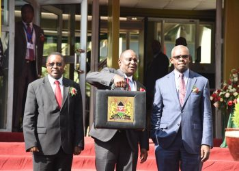 Treasury CS Henry Rotich (centre) has said Kenya's budget is sustainable