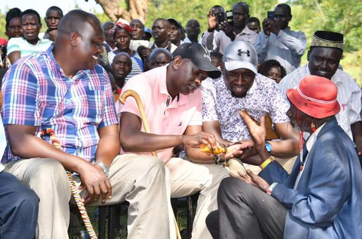 Leaders present including Sigor MP Peter Lochakapong, Kapseret MP Oscar Sudi and Elgeyo Marakwet Senator Kipchumba Murkomen talking to a resident
