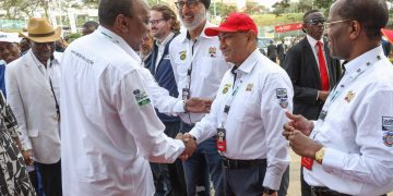President Kenyatta flagged off the Safari Rally race at Kasarani. Photo/PSCU