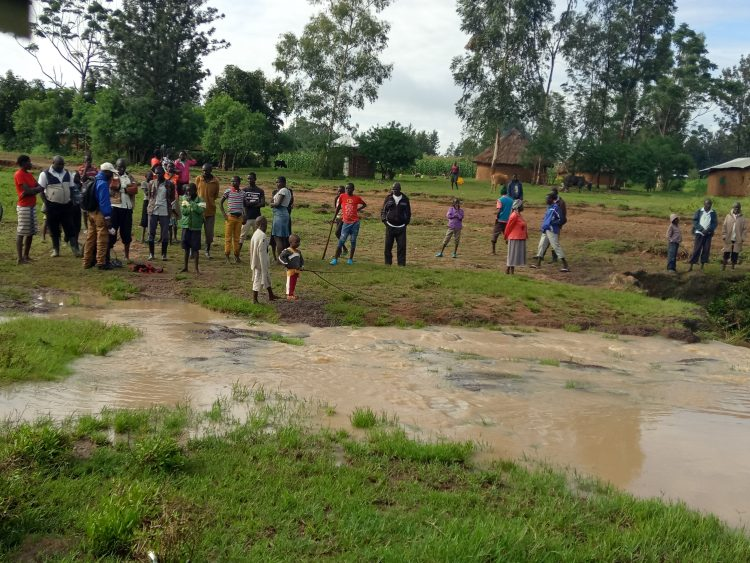 Opwaka residents near river Opwaka where a 55-year-old man drowned
