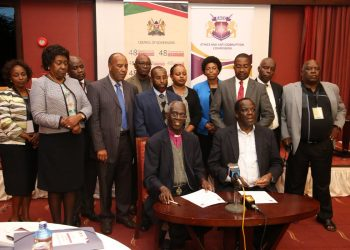 EACC chairman Eliud Wabukala and Council of Governors chairman Wycliffe Oparanya issuing a joint statement. Photo/Courtesy