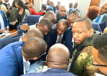 Nairobi Governor Mike Sonko and his defence team on Monday that included Senators Kipchumba Murkomen and Mutula Kilonzo Jr. Photo/Courtesy