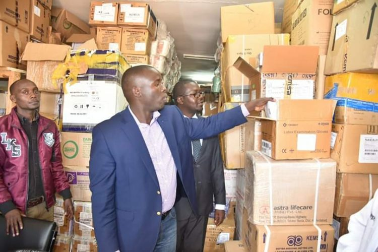 Nandi Governor Stephen Sang checking the medical supplies at Kapsabet County Referral Hospital