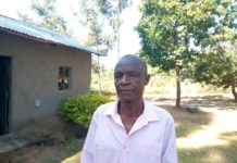 Mzee Fredrick Amata when he spoke to the media at his home