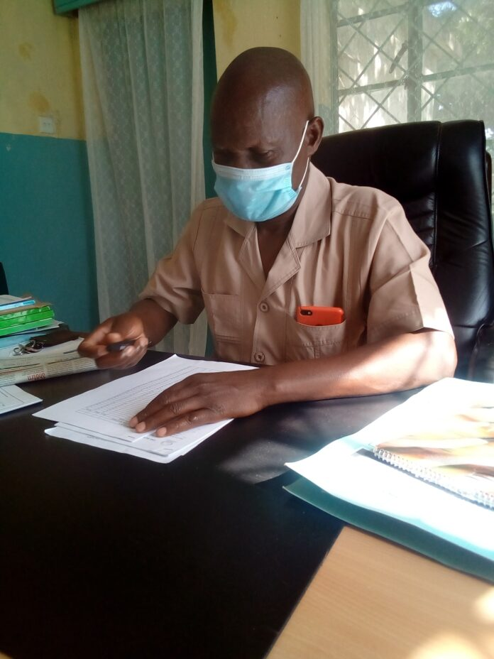 Teso North Education Boss Moffat Ombati addressing the media in his office at Amagoro, early Thursday morning