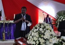 ANC leader Musalia Mudavadi addressing mourners
